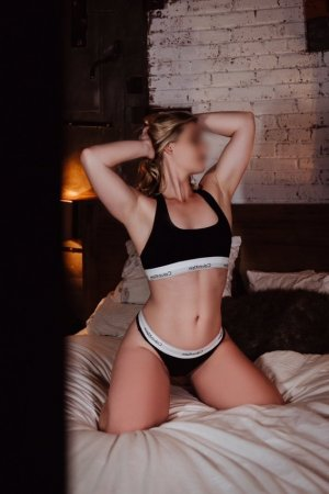 Mikhal nuru massage in Eureka