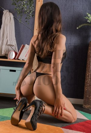 Anne-charlotte nuru massage in Beachwood