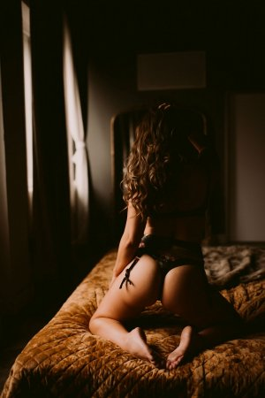 Marie-ludivine erotic massage in Apple Valley